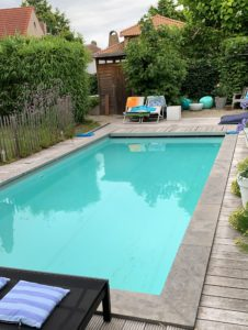 Antwerpen 2019 Privates Zimmer Airbnb Pool Außen
